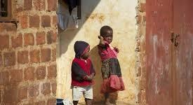 Sr Marguerite et les enfants des rues en RDC