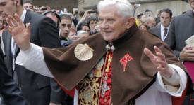 Pape Benoit à Compostelle