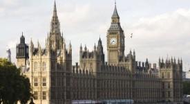 Polémique au Parlement britannique au sujet du voyage du pape