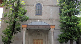 Une église catholique attaquée par des nationalistes turcs