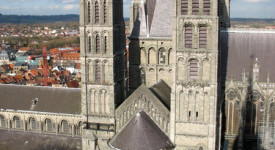 L'Evêché de Tournai engage