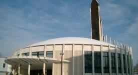 Une esplanade des religions près de Paris
