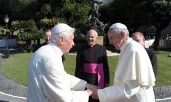 Les deux papes réunis près de saint Michel