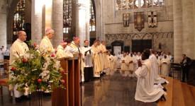 Bruxelles : trois nouveaux prêtres «très belges»