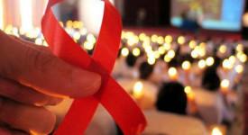 Sida: le pape pour l'accès des pauvres aux thérapies
