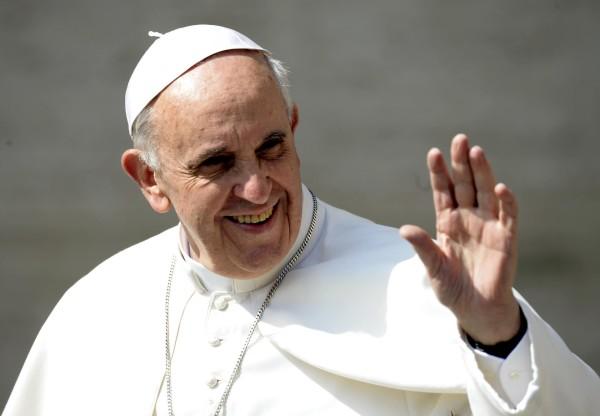 Le pape aux JMJ: un signe de paix face à la douleur du continent