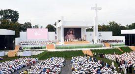 Messe d'ouverture des JMJ de Cracovie sous le signe du père Hamel