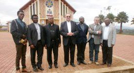AUDIO – En Débat : Voyage en terre africaine avec Mgr Harpigny