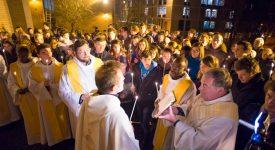 Face à la pénurie de prêtres