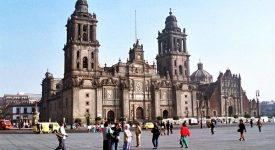 Un prêtre poignardé dans la cathédrale de Mexico