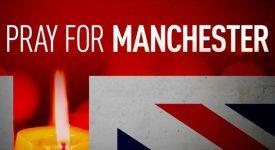 Douleur et prières après l'attentat à Manchester