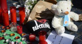 Catalogne : double attentat meurtrier, le pape prie pour les victimes