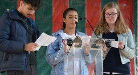 Des écoliers font des ponts… pour la paix