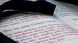 Traduction des textes liturgiques: le pape François recadre l'interprétation du cardinal Sarah