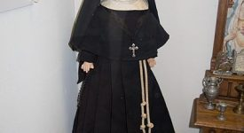 Les poupées religieuses: des musées aux mains des enfants
