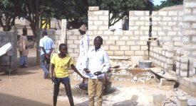 Des mains en or mieux que l'or dans la main au Burkina Faso.