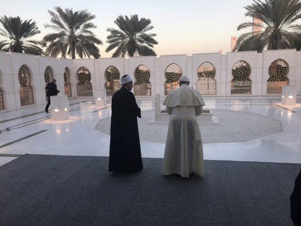 Dialogue interreligieux: une déclaration historique signée à Abou Dhabi
