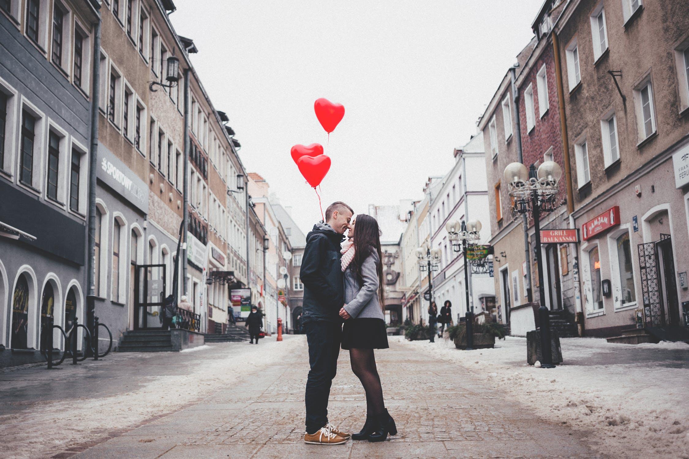 La Saint Valentin Des Amoureux Le Site De Leglise Catholique En