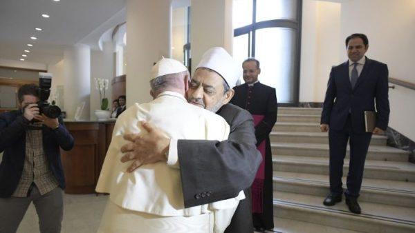 Abou Dhabi, nouvelle terre de rencontre entre le Pape et les musulmans