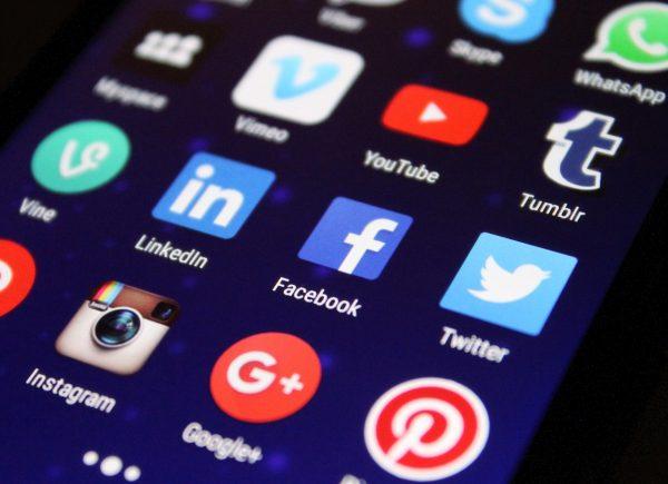 Un micro-synode sur le monde numérique