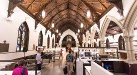Les églises sont principalement réaffectées en lieux de rencontres à vocation socio-culturelle