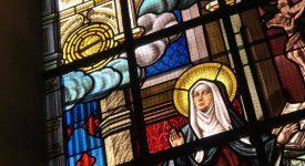 vitrail représentant Sainte Julienne de Cornillon