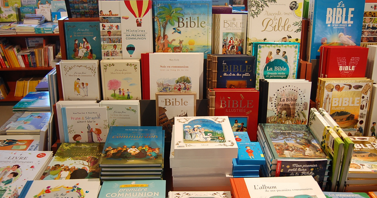 Ensemble de livres en vente à l'UOPC de Bruxelles ©UOPC (2)